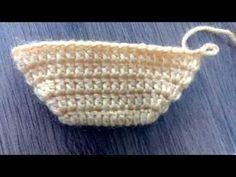 Best 12 Cute Summer Slippers Crochet F Crochet Slipper Pattern, Crochet Flower Patterns, Crochet Stitches Patterns, Crochet Motif, Crochet Baby, Knitted Booties, Fingerless Gloves Knitted, Knitted Slippers, Crochet Skirts