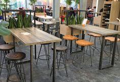 #Industrielook. #Einrichtung und #Möblierung einer Bäckerei und Café: Stehtisch 31596-A Hocker 10990-A Sattelsitz-Hocker 10991-A. https://www.schnieder.com/gastronomiemoebel/barhocker/barhocker-und-thekenstuhl/hocker-10991.html