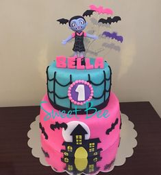 Fiesta de Vampirina!!! . . . . . #sweetbeecakepops #bakingtime #vampirina #vampirinacake #vampirinaparty #vampirinadisney #birthday #birthdaycake #birthdaygirl #details #tortaspersonalizadas #tortas #cake #instagood #instadaily #instacake Halloween Theme Birthday, 6th Birthday Parties, Birthday Cake Girls, Birthday Party Decorations, Birthday Celebration, 2nd Birthday, Birthday Ideas, Party Cakes, First Birthdays