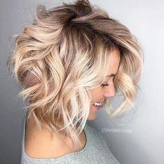 25 blonde balayage short hair looks like you love it short looks blonde bal Angled Bob Hairstyles, Bob Haircuts, Asymmetrical Haircuts, Short Blonde Haircuts, 2018 Haircuts, Blonde Bob Haircut, Medium Hairstyles, Short Wavy Hair, Wavy Bobs