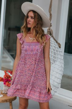 Boho Mini Dress, Sail Away, Edgy Look, Ruffle Skirt, Flutter Sleeve, Summer Dresses, Mini Dresses, Lace Trim, Crushes