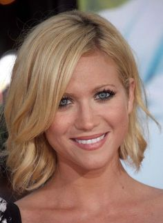 Medium Hairstyles For Women Round Faces