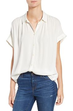 Perfect for a casual-cool front tuck, this smooth woven shirt is effortlessly drapey and light as air.