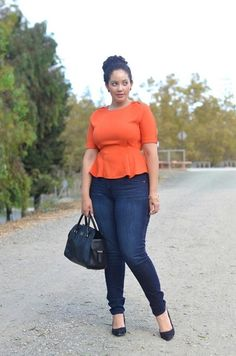 0d407c8ccbb Great street style for curvy girls Plus oversize cardigan over top with  jeans