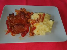Lulu - Povesti din Bucatarie: Tava picanta cu ceafa de porc Mashed Potatoes, Curry, Meat, Chicken, Ethnic Recipes, Pork, Whipped Potatoes, Curries, Smash Potatoes