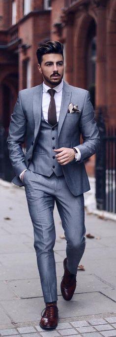 Suit Cleaning Hacks for Men # Herenpakken Mens Fashion Blog, Mens Fashion Suits, Look Fashion, Mens Suits Style, Mens Suits 2018, Suit Styles, Fashion 2018, Trendy Fashion, Fashion Online