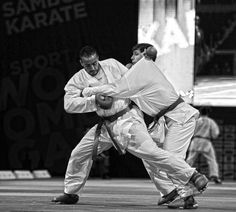 Takedowns are allowed in World Karate Federation´s kumite.