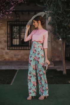 Urban Fashion, Fashion Looks, Stylish Summer Outfits, Daytime Outfit, Twin Outfits, Pregnancy Outfits, Ball Gown Dresses, Western Outfits, Chic Dress