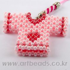 Beaded pink shirt with pattern  http://www.artbeads.co.kr/recipes/?s_code=ABAG_pcode=70700961