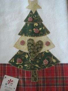 32 Trendy Ideas For Christmas Quilting Patterns Applique Christmas Quilt Patterns, Christmas Tree Pattern, Christmas Sewing, Christmas Pillow, Christmas Projects, Holiday Crafts, Christmas Stockings, Christmas Crafts, Christmas Decorations