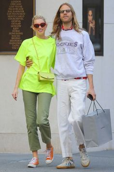 Neon Style Recommended For You Star Fashion, Retro Fashion, What To Wear Today, How To Wear, Street Chic, Street Style, Elsa Hosk, Fashion Couple, Models Off Duty