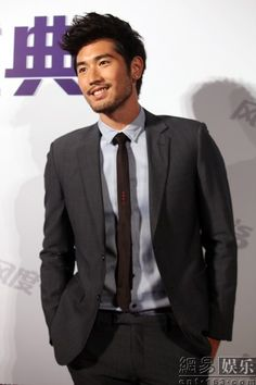 Godly Godfrey Gao. Damn can he be any hotter ? pretty face n such a heartthrob