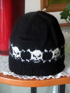 Knitted Skull Hat Pattern : Knitting: Hats on Pinterest Knitted Hats, Hats and Berets