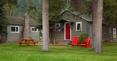 Bear Hill Lodge - Heritage Log Cabin Info Jasper National Park, National Parks, Travel Deals, Plan Your Trip, Lodges, Tourism, Photo Galleries, Shed, Outdoor Structures
