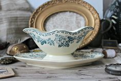 French antique Saint-Amand & Hamage gravy boat/sauce dish green floral pattern ironstone transferware authentic french country 1900s de la boutique TheGreenMoonVintage sur Etsy