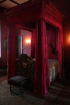 Awesome Gothic Bedroom Design Ideas : Red Accent For Bedroom Decoration With Vintage Style For Canopy Bed And Decor Plan Modern Antique Carving Footboard Also Classic Wall Lamps Gothic Bedroom, Bedroom Red, Dream Bedroom, White Bedrooms, Medieval Bedroom, Velvet Bedroom, Master Bedroom, Pretty Bedroom, Gothic Furniture