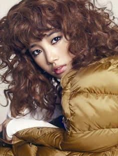 Additional Spreads Of Yoon Eun Hye, Suzy, & Sulli For High Cut's Volume 89 South Korean Girls, Korean Girl Groups, High Cut Korea, Korean Girl Band, Yoon Eun Hye, Miss A Suzy, Red Curls, Ailee, Playing With Hair