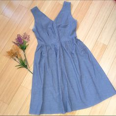 The LIMITED chambray dress, S. Lovely simple dress by the Limited (Outback Red). Simple soft chambray (not heavy at all!). Leave this one simple, or add a sweater, white jacket, or cool belt and necklace! Dresses Midi