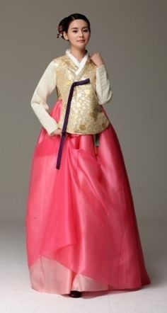 Seodamhwa - Wedding Hanbok designed by Song Hye-Mi - Traditional Korean Clothing…