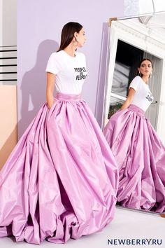 33156f5f01 Christian Siriano pre fall 2019 Women s Runway Fashion