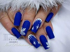 Find images and videos about blue, nails and christmas on We Heart It - the app to get lost in what you love. Cute Christmas Nails, Xmas Nails, Holiday Nails, Blue Christmas, Xmas Nail Designs, Nail Art Designs, Nagellack Design, Nails Design With Rhinestones, Exotic Nails
