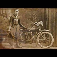 Old Indian Motorcycles Vintage Black & White Pictures of Antique and Vintage Indians at LightningCustoms.com Blog.