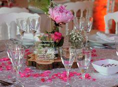 Félicitations à Laure & Benjamin pour leur magnifique mariage de samedi ! Ils nous ont commandé des Plexiglas transparents, puis Laure a pris sa plus belle plume pour écrire les menus du dîner. Une idée nouvelle à suggérer à vos prochains mariés ! ;)  #DIY #beplexi #menumariage #menuplexiglas #menuplexi #menupleximariage