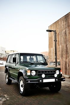 Mitsubishi Pajero -> Hyundai Galloper -> Mohenic Garages redesign - MohenicG Classic V6 ver. Coniston Green. www.the.co.kr