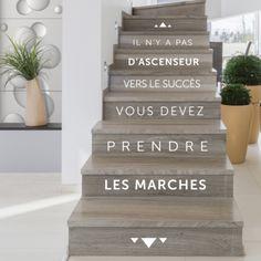 Stickers deco escalier contremarche : il n'y a pas d'ascenseur vers le succès vous devez prendre les marches par Optimsitick