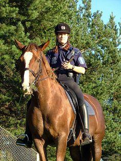 File:Mounted police officer in Helsinki Finland.jpg