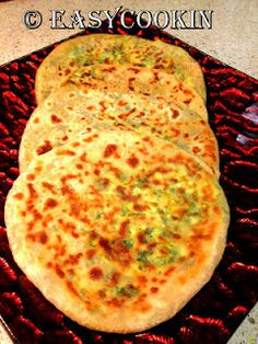 (Stove-Top) Spinach-Cottage Cheese stuffed Indian Bread - Perfect for Weekends, Packed Meals or Anytime. Can be stored in fridge for 1-2days.