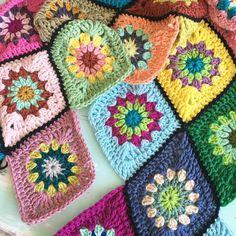 Diamond shapes for today #crochet #ganchillo #haken #häkeln #virka #crochetdiamond #crochetblanket