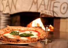 San Matteo: with an Italian owner and chef, this cozy, hole-in-the-wall restaurant offers authentic Neapolitan pizza. All 15 of their pizze are blistered, pliable and chewy Best Pizza In Nyc, New York Pizza, Good Pizza, Pizza Sandwich, Espresso Bar, Wood Fired Oven, Restaurant Offers, Nyc Restaurants, Salad Bar