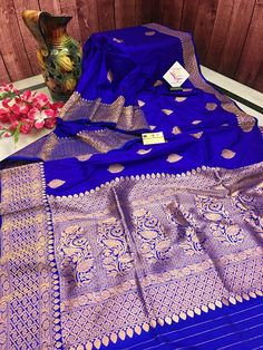 Maroon Saree, Blue Saree, Kinds Of Fabric, Saree Shopping, Wedding Fabric, Buy Sarees Online, Banarasi Sarees, Saree Wedding, Saree Blouse
