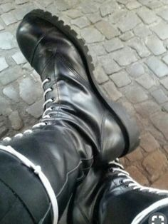 Skinhead Boots, Skin Head, Steel Toe Boots, Steampunk Clothing, Cute Gay, Hunter Boots, Black Boots, Rubber Rain Boots, Leather Boots