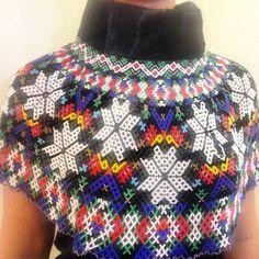 Billedresultat for perlekrave Tribal Dress, Wedding Costumes, Design Lab, Folk Costume, Material Design, Festival Wear, Bead Art, Bead Weaving, Traditional Dresses