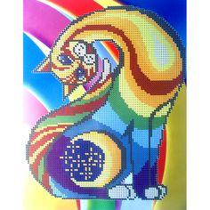 Gata de colores. Esquema para el bordado con abalorios. Precio 11€. Tamaño 20*25,5 cm.  En el antiguo Egipto los gatos simbolizaban la protección del hogar, pero desde un punto de vista espiritual no físico defendiéndonos de la negatividad. El espíritu del gatito representa la independencia, así como es el símbolo de la fertilidad.