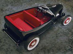Chip Foose automotive design, custom cars, art and the Overhaulin' television show. Classic Hot Rod, Classic Cars, Homemade Go Kart, Car Furniture, Traditional Hot Rod, Chip Foose, Pedal Cars, Us Cars, Ford Gt
