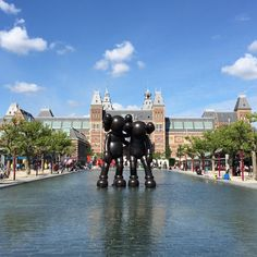 """Last days to see ""Along the Way"" in front of the @rijksmuseum for @artzuid #Amsterdam #KAWS"""
