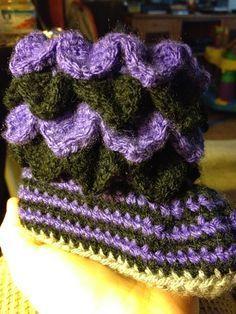 Arya's Creations: Crocodile Stitch Crochet Baby Booties: Free pattern!