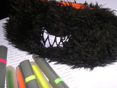 So kann Überarbeiten aussehen. :D Straightener, Hair, Beauty, Letters, Beauty Illustration, Strengthen Hair