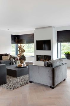 "Foto: Denise Keus ­‐ ""Stijlvol Wonen"" ‐ © Sanoma Regional Belgium N. Living Room Tv, Home And Living, Living Spaces, Sweet Home, Home Interior Design, Cosy Interior, Modern Interior, Living Room Designs, House Design"