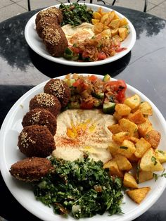 Photo of Nazareth Falafel - Berlin, Germany. Falafel-Teller mit Falafel, Hummus, Salat, Kartoffeln und Tabouleh