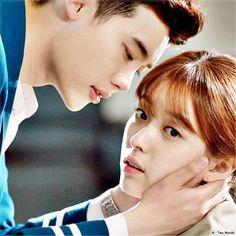 Kiss - breath - kiss again W Kdrama, Kdrama Memes, Lee Tae Hwan, Lee Jong Suk, W Two Worlds, Between Two Worlds, Korean Actresses, Korean Actors, Korean Dramas