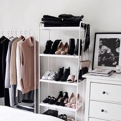 We love open closets! They help you stay organized and are a minimalists dream! #closetspice