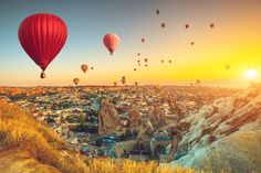 Hot air balloons flying over spectacular Cappadocia adventure Istanbul Tours, Capadocia, Visit Turkey, Best Sunset, Shore Excursions, Turkey Travel, Fall Pictures, Air Show, Cool Landscapes