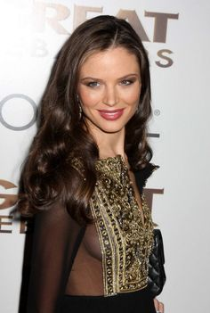 Georgina Chapman - Always love he makeup and hair. It looks like effortless beauty!