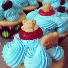 Pool party cupcakes - haha, Teddy Gram in a life-saver!