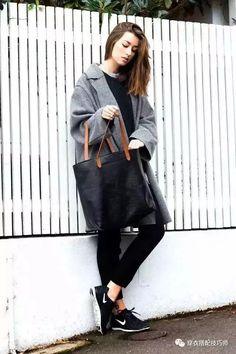 2018比大衣短靴更时髦的是运动鞋+大衣!这样搭配美翻天!