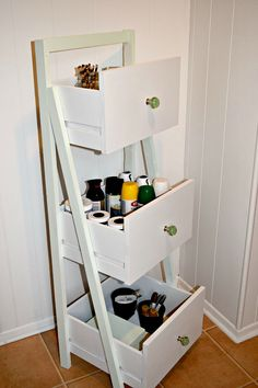 Ladder Shelf From Old Repurposed Drawers DIY Ladder Shelf From Old Repurposed Drawers :: use to hold unassigned fabric?DIY Ladder Shelf From Old Repurposed Drawers :: use to hold unassigned fabric? Refurbished Furniture, Repurposed Furniture, Furniture Makeover, Chair Makeover, Diy Furniture Repurpose, Vintage Furniture, Modern Furniture, Dresser Repurposed, Handmade Furniture